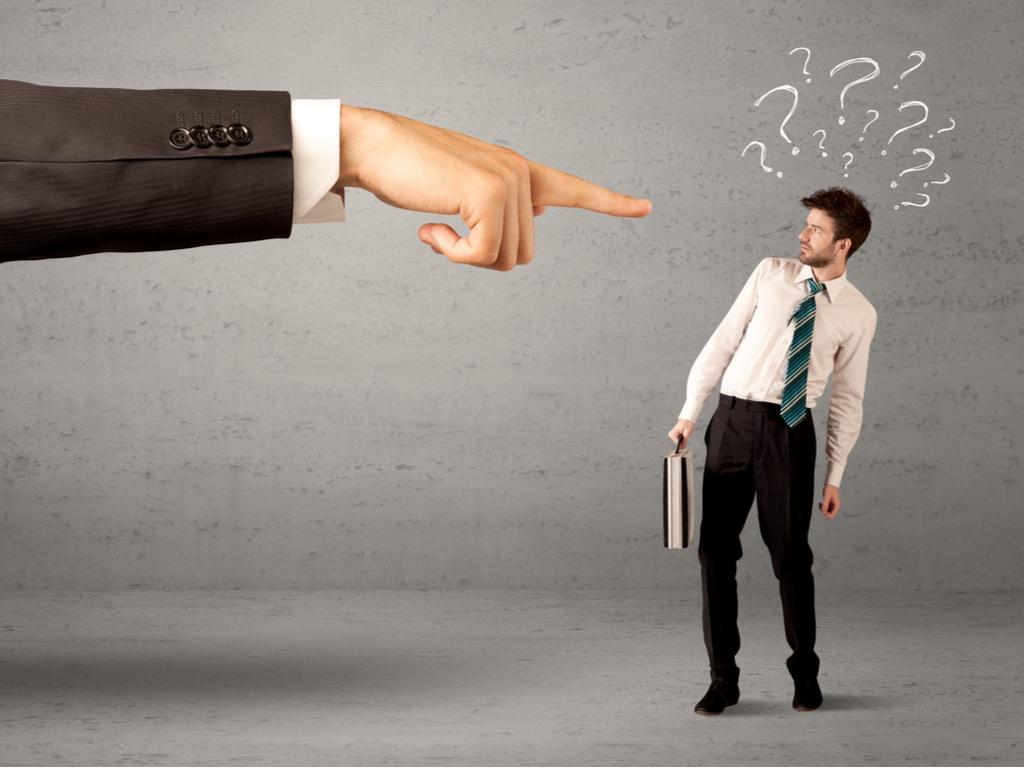 Không hoàn thành công việc, cấp trên có quyền đuổi việc nhân viên?