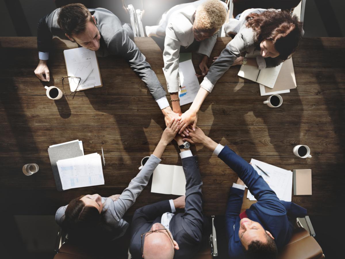 Bí quyết thành công: Xây dựng các mối quan hệ tích cực trong công việc