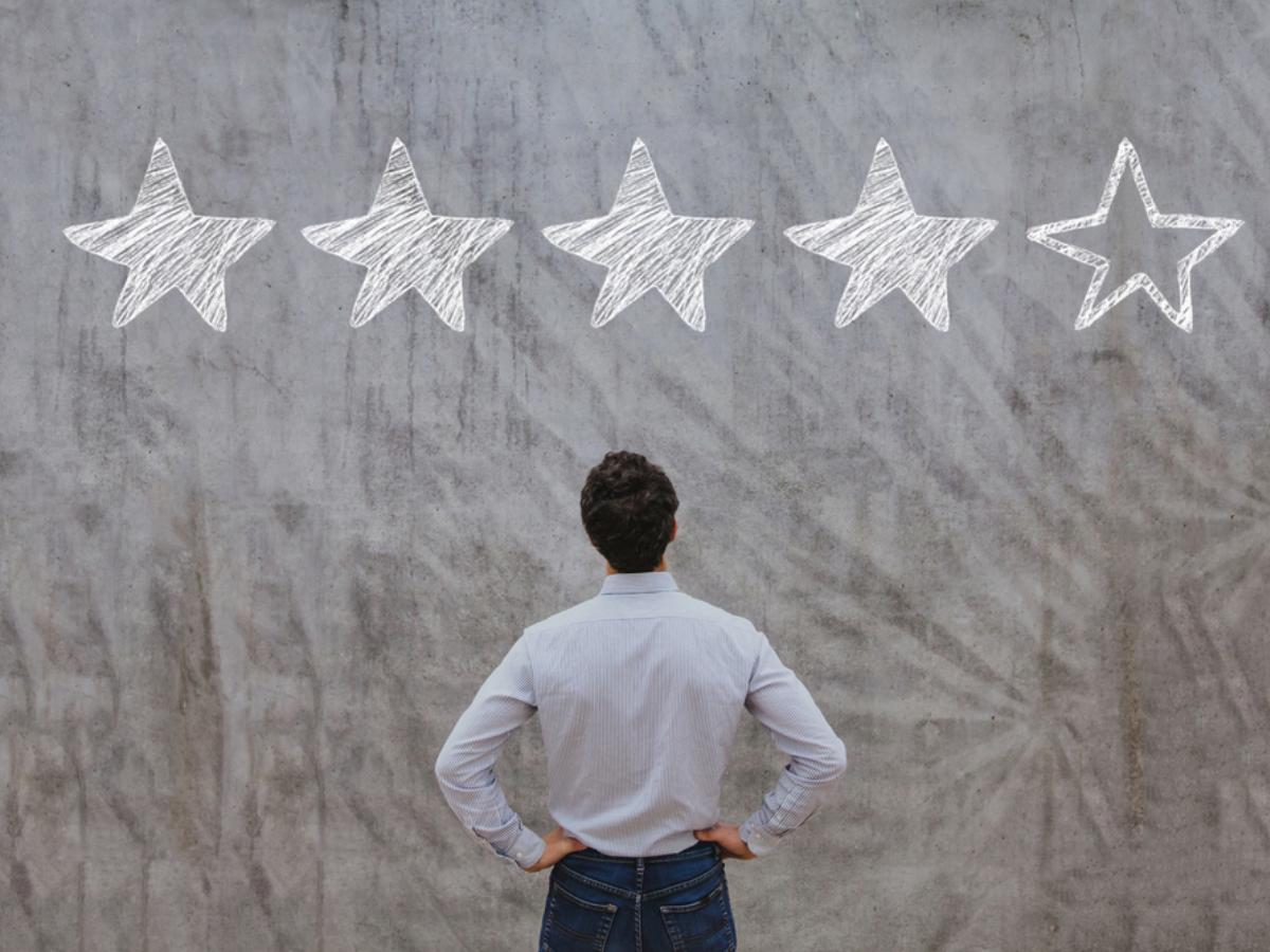 Người quản lý cần làm gì để tăng sự gắn kết của nhân viên với công việc?