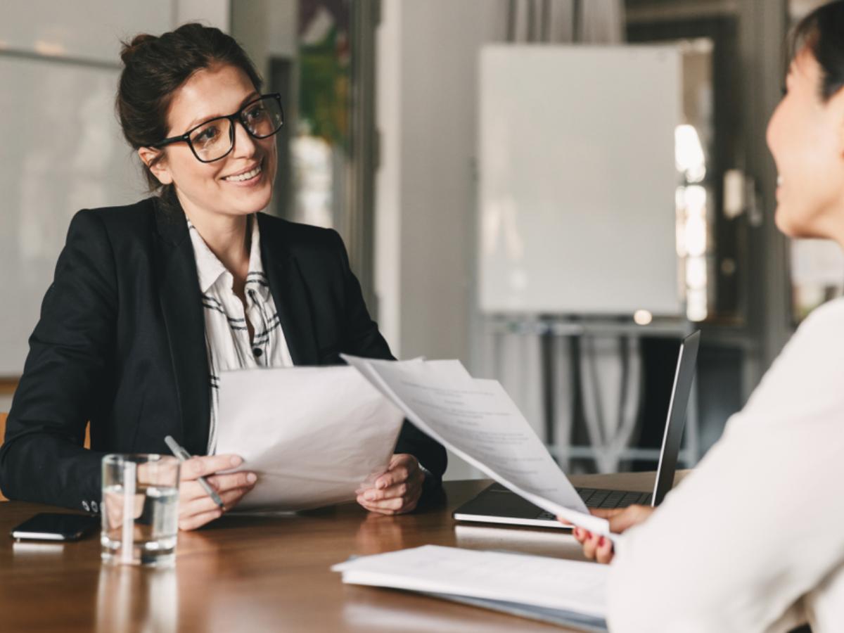 """5 câu hỏi phỏng vấn """"toát mồ hôi"""" kinh điển của nhà tuyển dụng"""