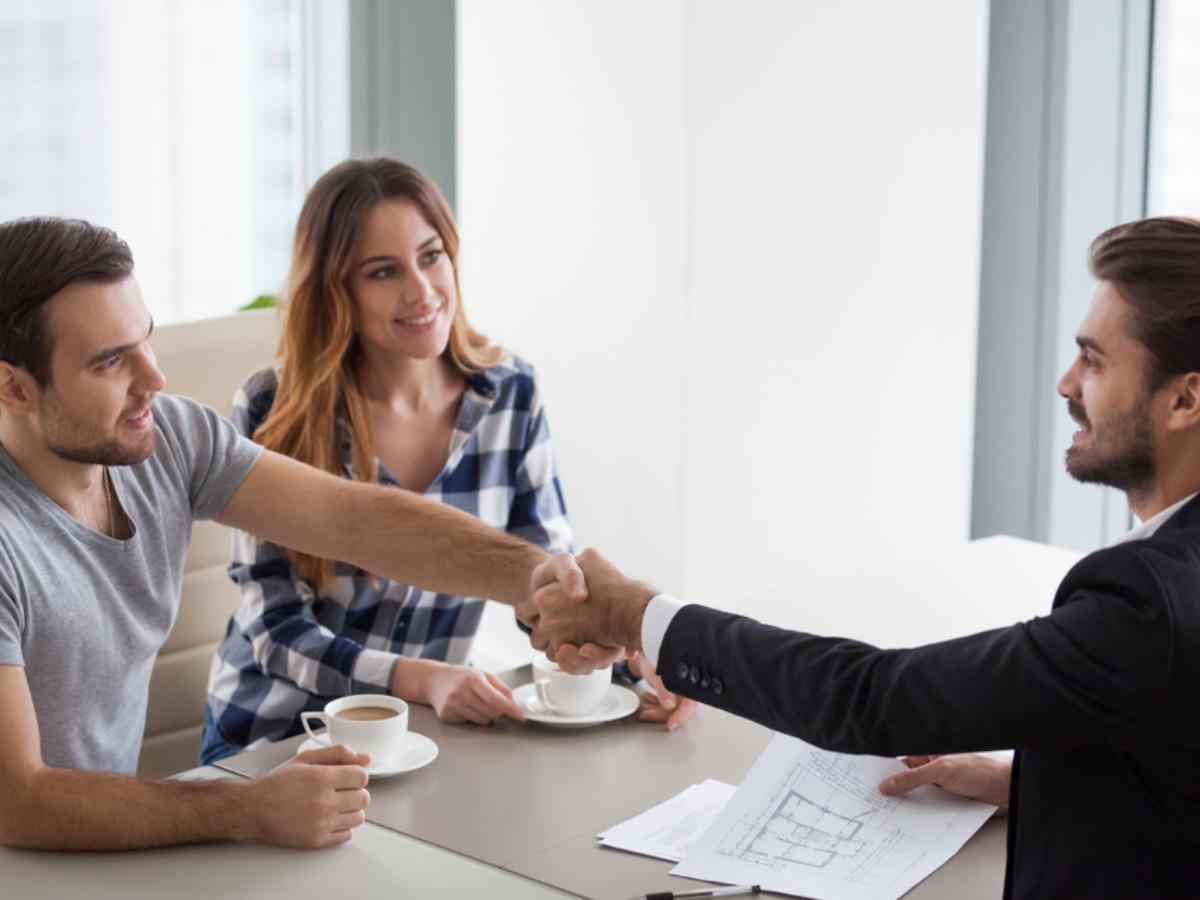 Cách thuyết phục khách hàng và những điều cần lưu ý
