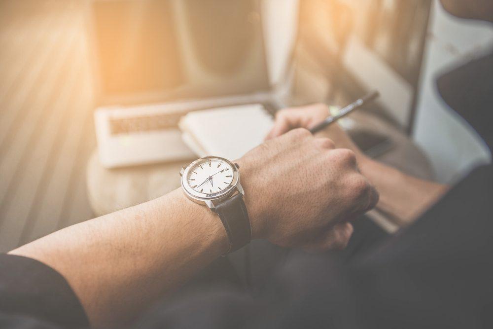 Kỹ năng làm việc - 95% nhân viên không biết cách xin sếp dời deadline