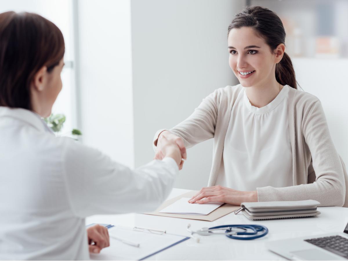 """Làm sao để nhà tuyển dụng """"thích ngay từ buổi gặp mặt đầu tiên""""?"""