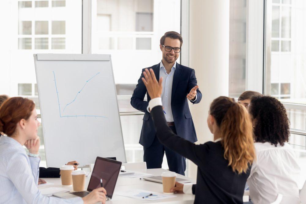 3 thói quen nhà lãnh đạo cần để cải thiện tư duy phản biện trong tổ chức