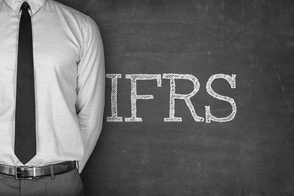 """Cần chuẩn bị gì cho """"Đại dự án"""" áp dụng chuẩn mực Báo cáo tài chính quốc tế (IFRS)"""