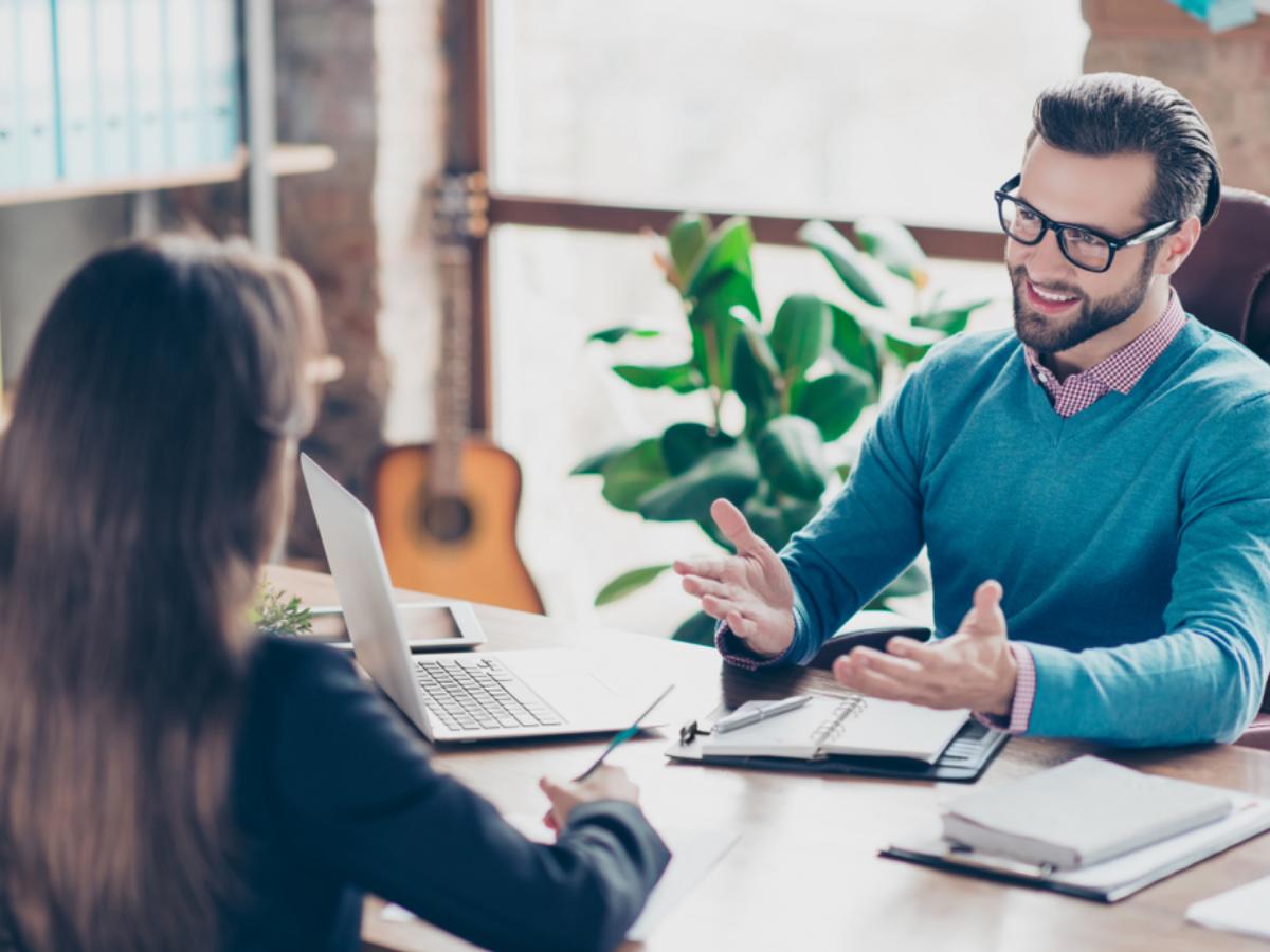 Mất lòng trước, được lòng sau: Đừng lí tưởng hóa vị trí tuyển dụng trong vòng phỏng vấn ứng viên