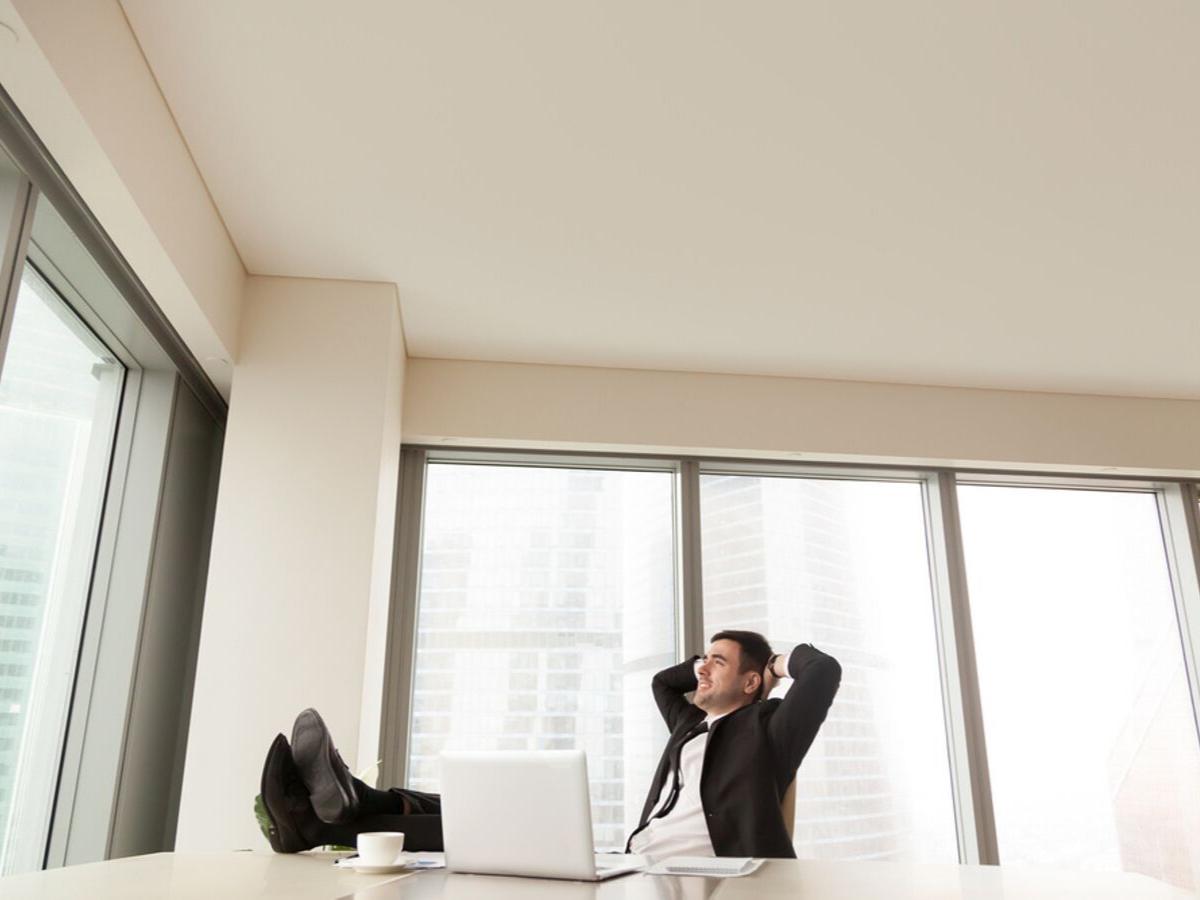 """4 điều bổ ích mà bạn có thể học từ những công việc """"đáng ghét"""""""