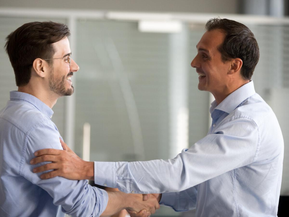 Bạn là nhân viên hay đơn thuần chỉ là người làm công - phụ thuộc vào cách công ty đối xử với bạn