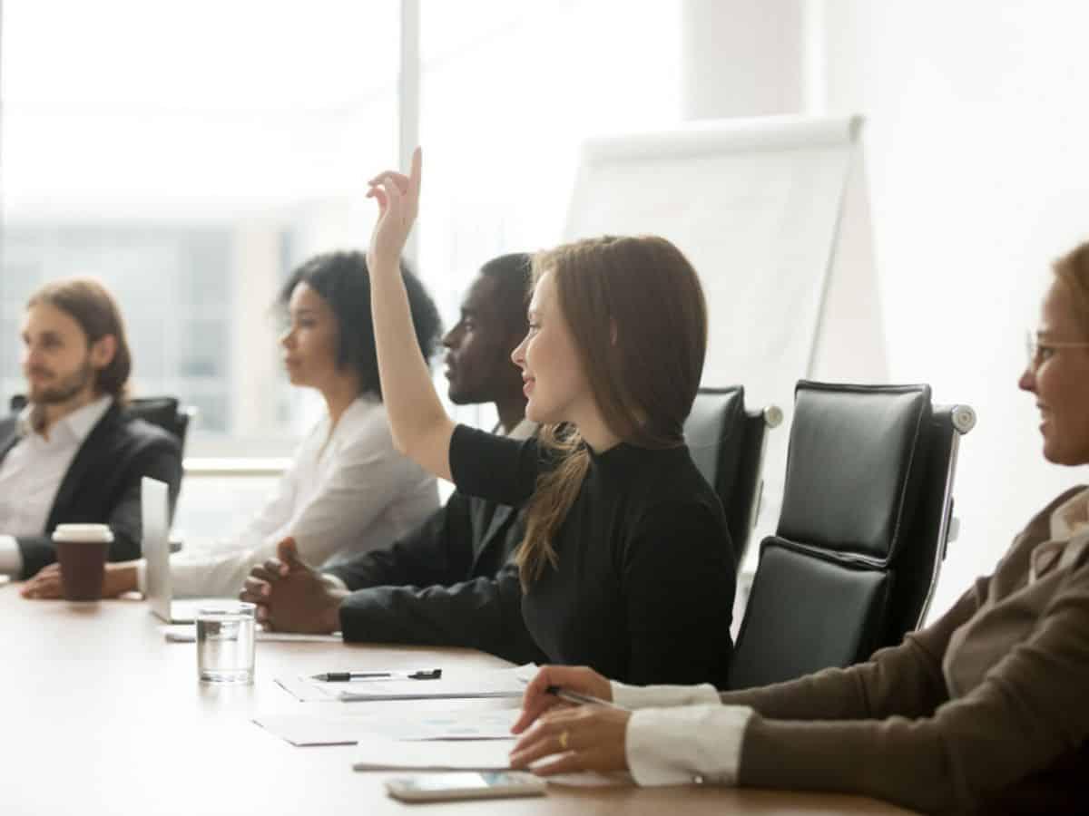 5 câu nên hỏi trong các cuộc họp để sếp thấy rằng bạn có tố chất trở thành lãnh đạo