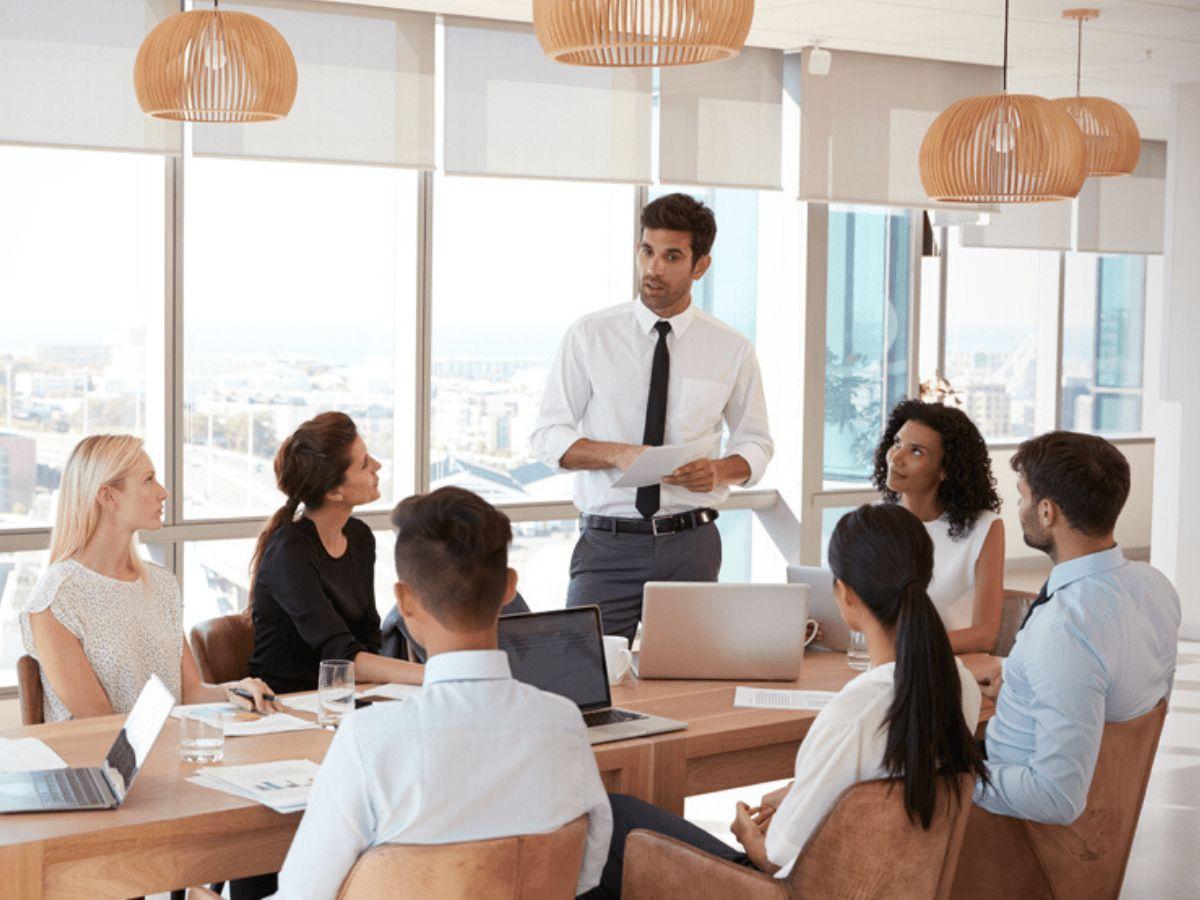 8 thói cực xấu cần loại bỏ khi họp hành để sếp ưng ý, đồng nghiệp quý