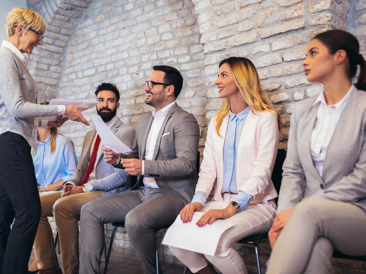 Những cách giúp bạn trở nên nổi bật trong mắt nhà tuyển dụng