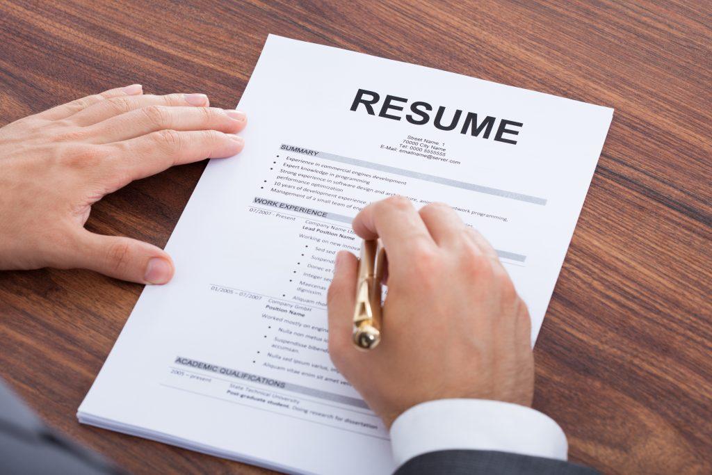 Những điều bạn nên xóa bỏ khỏi đơn xin việc của mình ngay lập tức