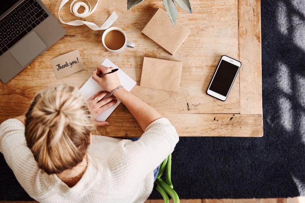 Những cách giúp bạn ghi điểm sau buổi phỏng vấn với nhà tuyển dụng