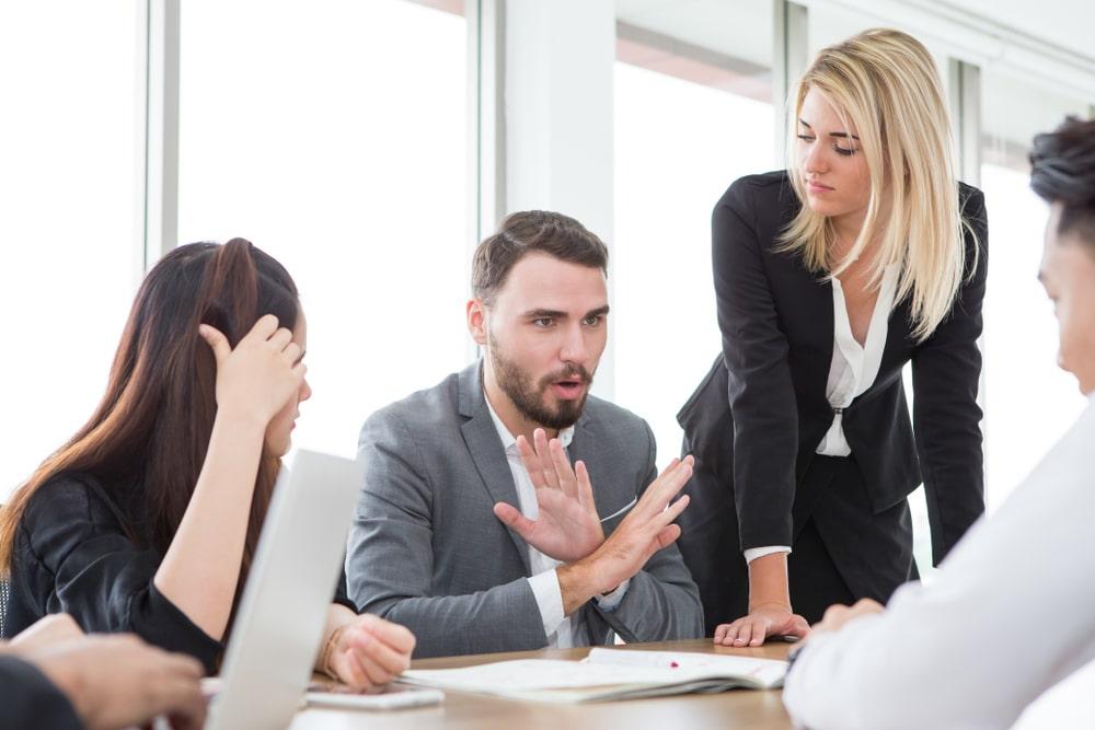 10 bí quyết giao tiếp khôn ngoan của người thành đạt