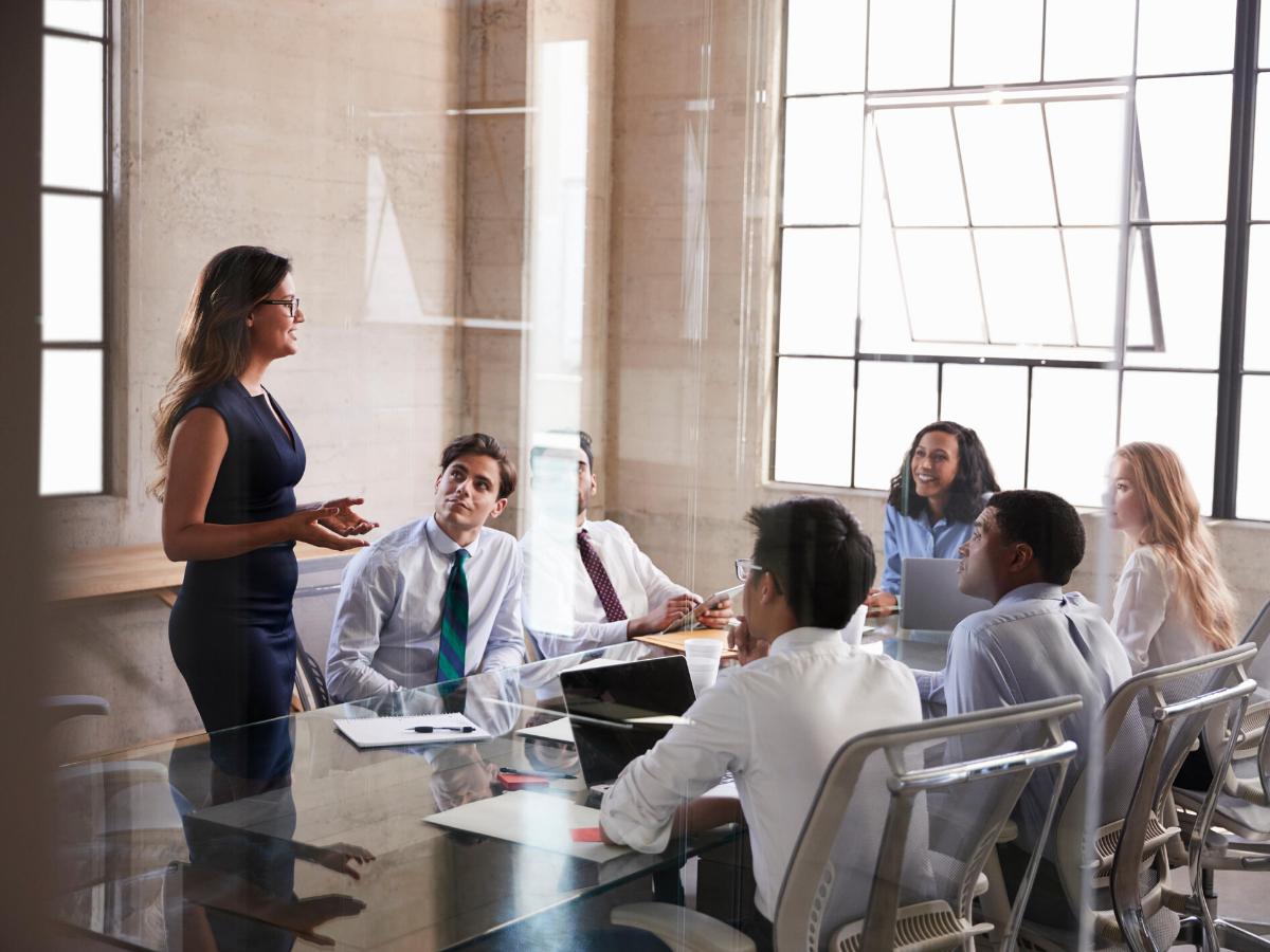Lãnh đạo cần làm gì để nhân viên làm việc tại nhà mà không chán nản