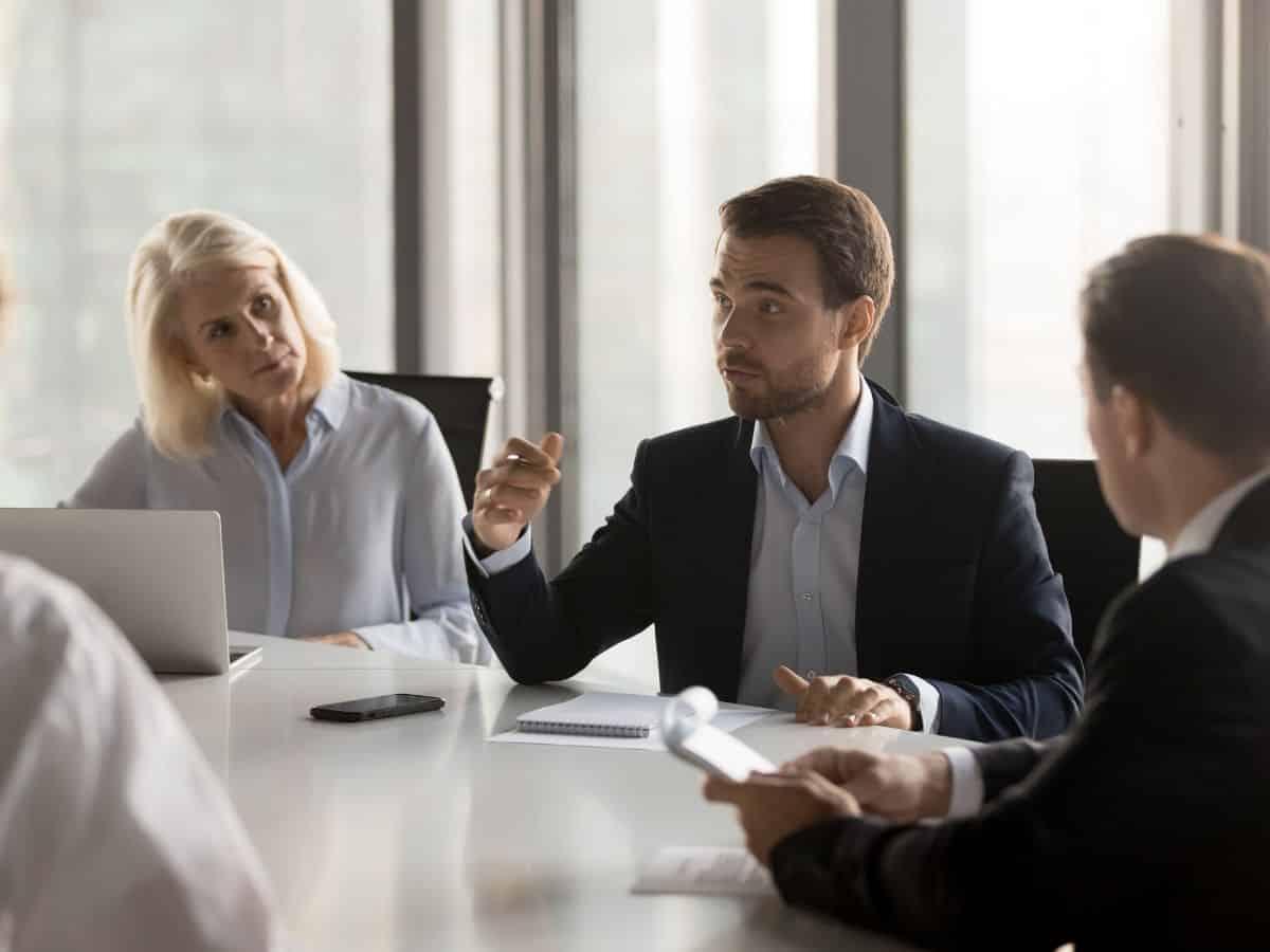 Đối phó với dịch COVID-19, nhà quản lý cần làm gì?