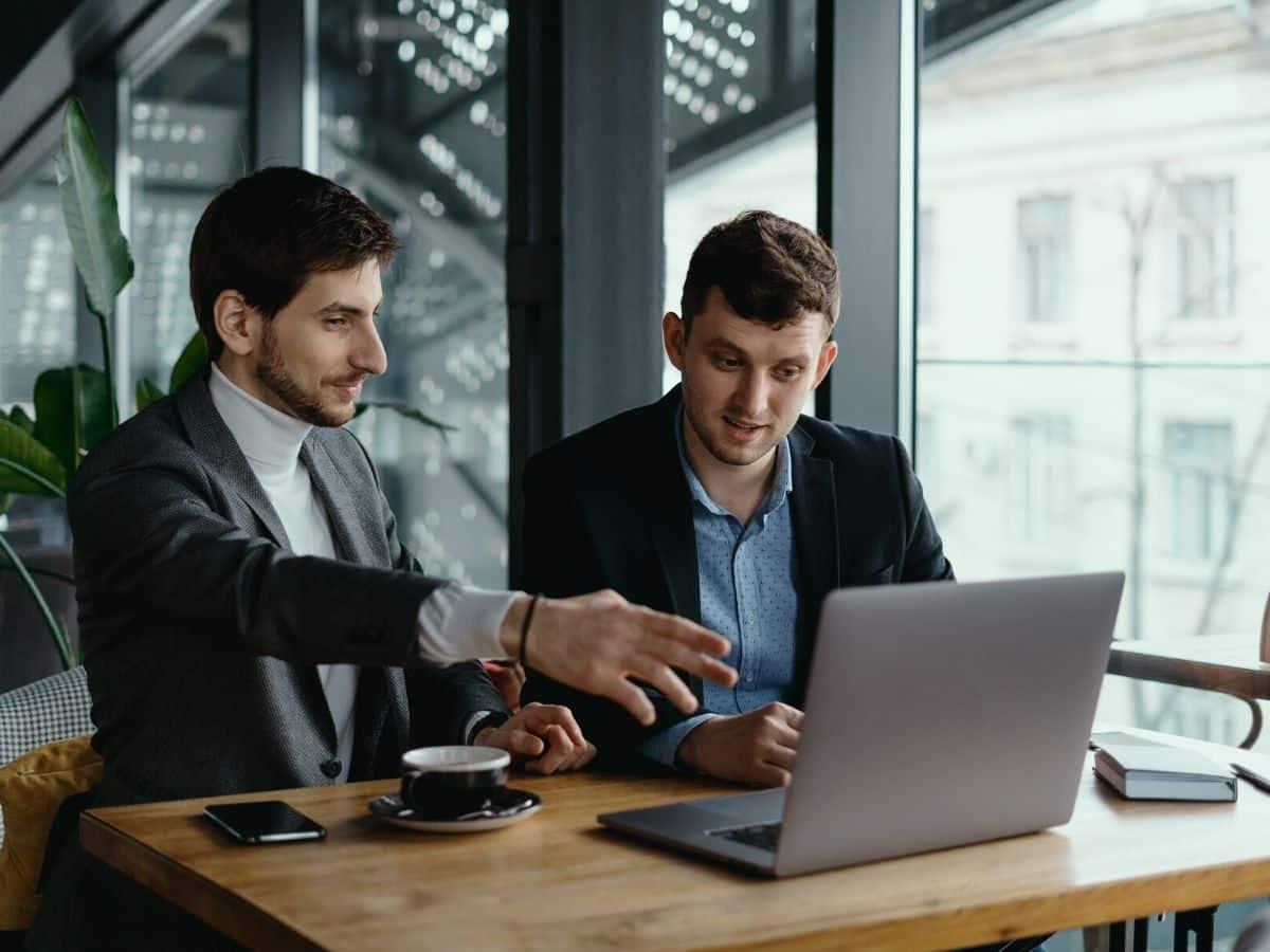 Làm sao để duy trì hiệu suất công việc của nhân viên trong suốt quá trình đại dịch Covid-19