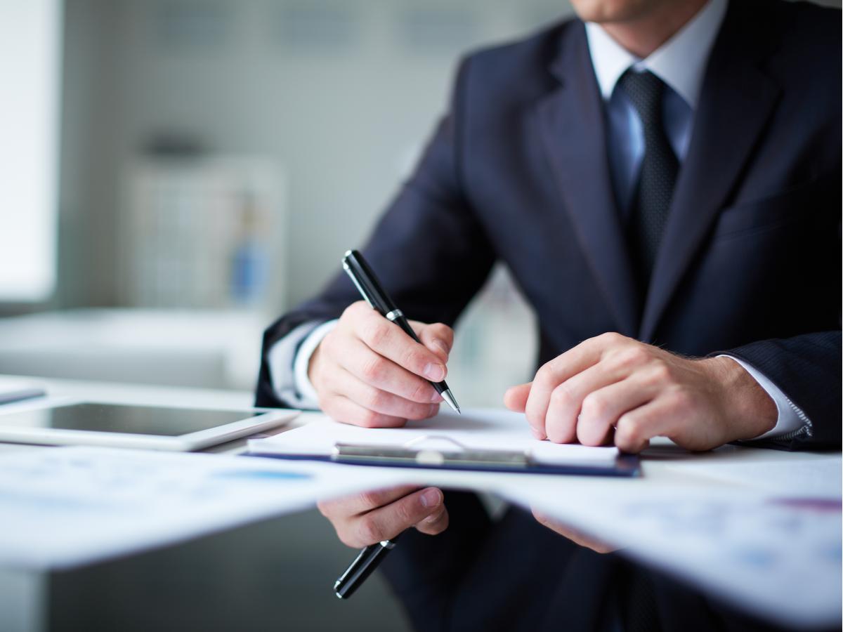 Bồi thường hợp đồng: Những điều người lao động cần chú ý để bảo vệ quyền lợi